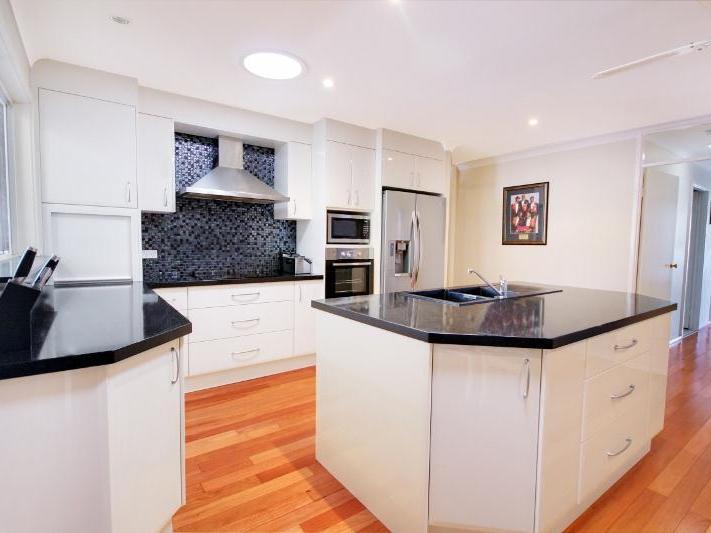 54 Spencer Road, Mannering Park, NSW 2259