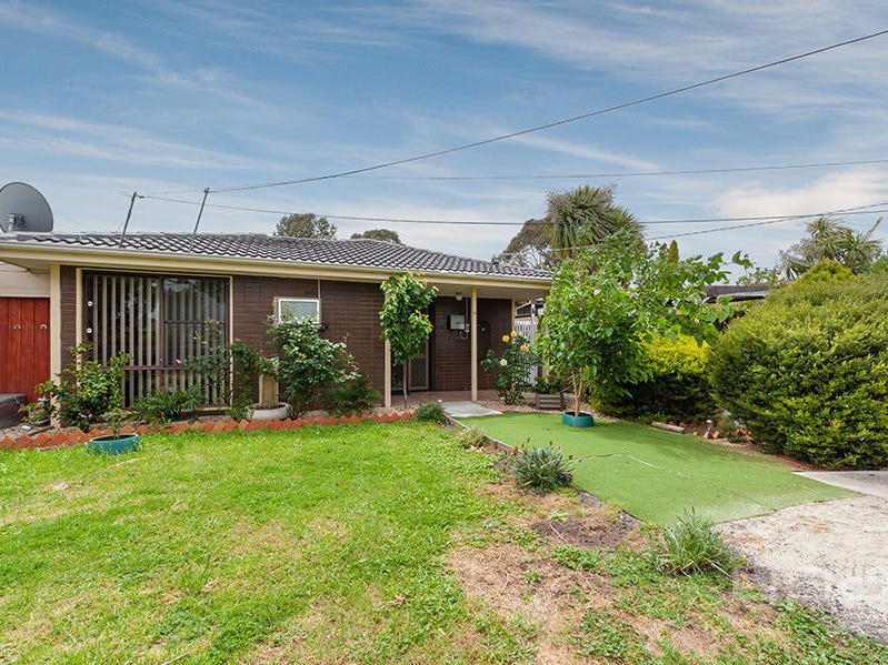 4 Woodburn Crescent, Meadow Heights, Vic 3048