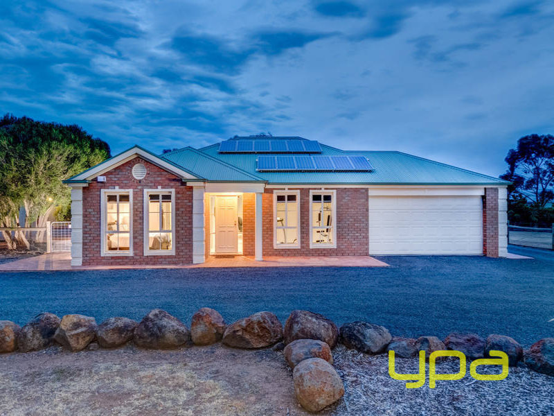36 Hammond Circuit, Hopetoun Park, Vic 3340