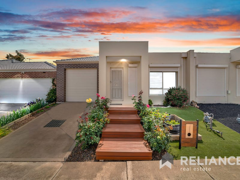 1/3 Weeks Avenue, Harkness, Vic 3337