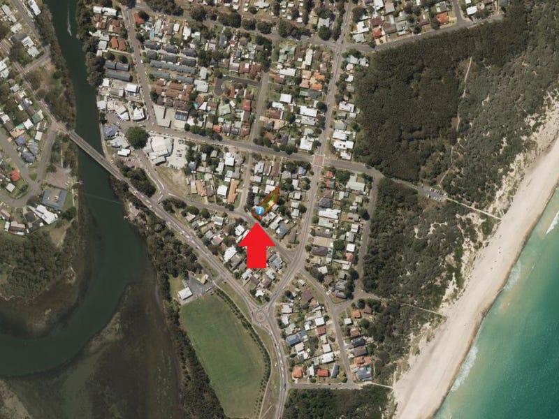 14 Boomerang St., Budgewoi Peninsula, NSW 2262