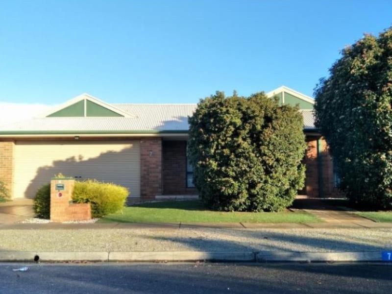 7 Lauraville Avenue, Werribee, Vic 3030