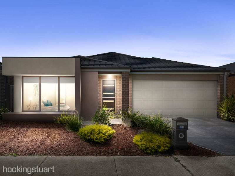 31 Martaban Crescent, Point Cook, Vic 3030