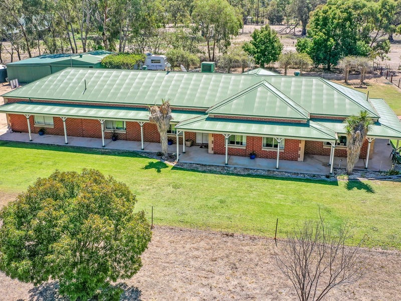 36 Riverview Dr, Deniliquin, NSW 2710