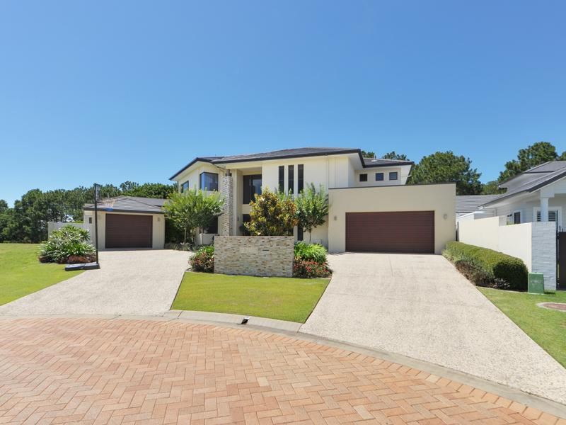 2266 Banksia Lakes Drive, Sanctuary Cove, Qld 4212