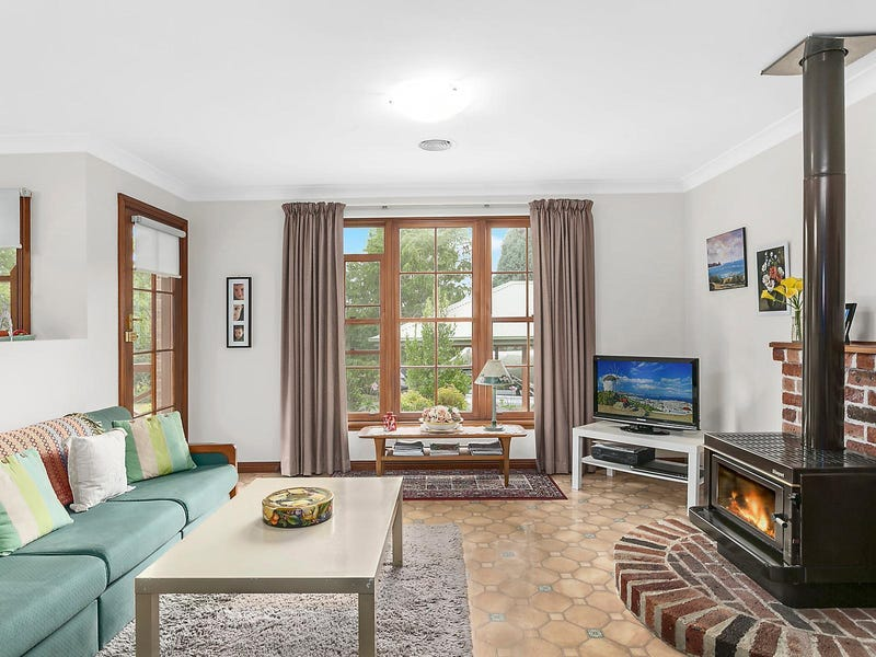 11 cooke Place, Moss Vale, NSW 2577