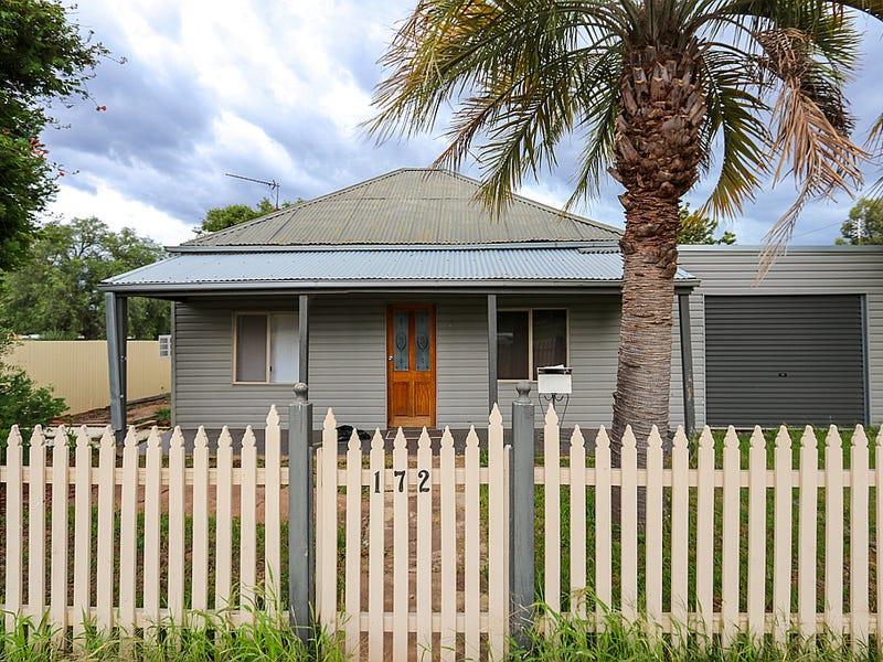 172 Camp Street, Temora, NSW 2666