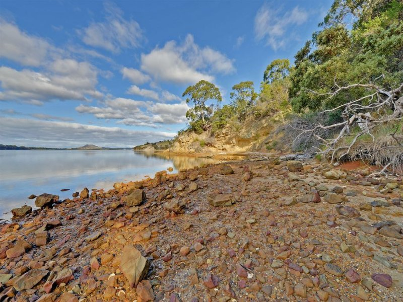 585 Shark Point Road, Penna, Tas 7171