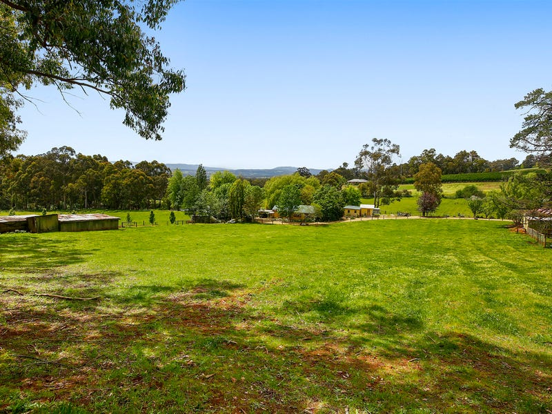 105 Monbulk-Seville Road, Wandin East, Vic 3139