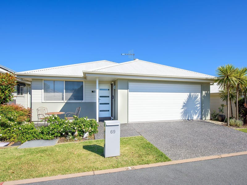69 Bering Street, Lake Cathie, NSW 2445