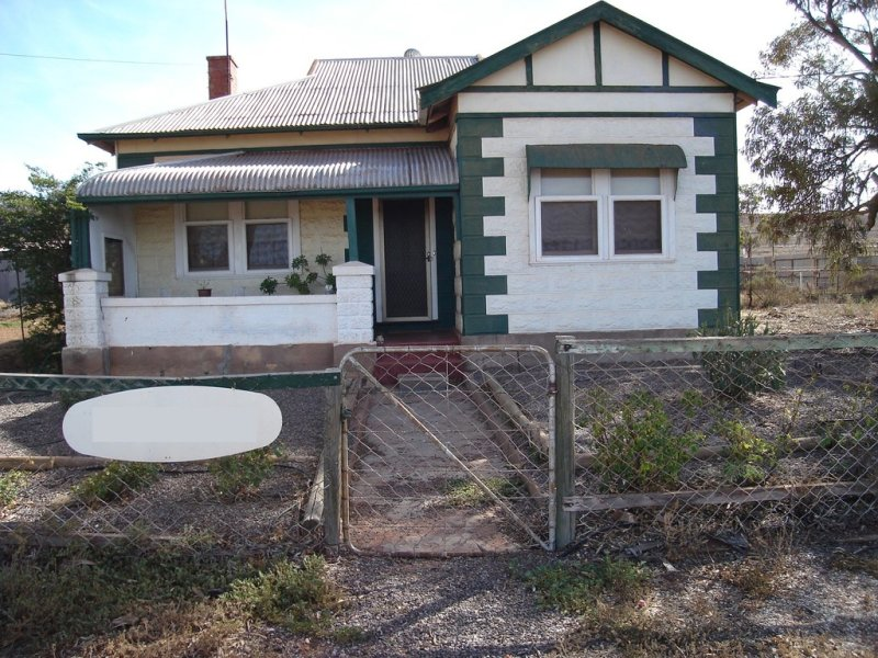272 Earle Street, Iron Knob, SA 5601