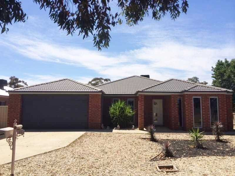 11 Francis St, Rochester, Vic 3561