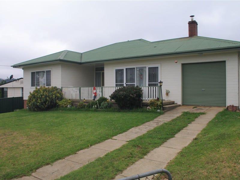 198 Maybe Street, Bombala, NSW 2632