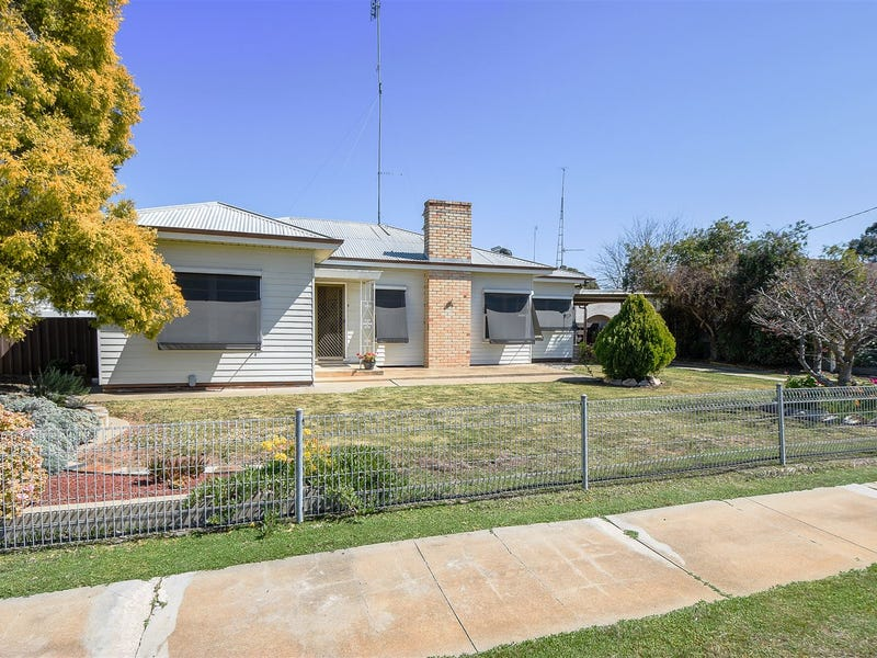 100 Devereux Street, Warracknabeal, Vic 3393