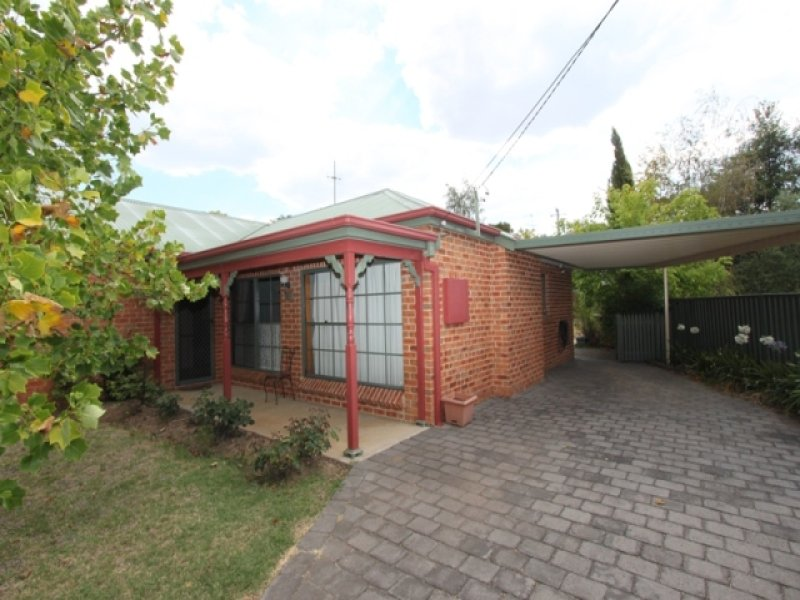 8 Mooney Valley Place, Bathurst, NSW 2795