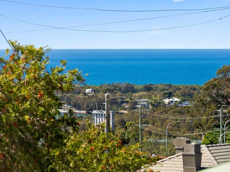 4 Kittiwake St, Banora Point, NSW 2486
