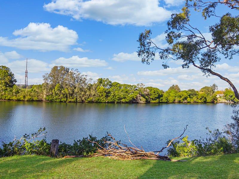18 Ochiltree Place, Taree, NSW 2430