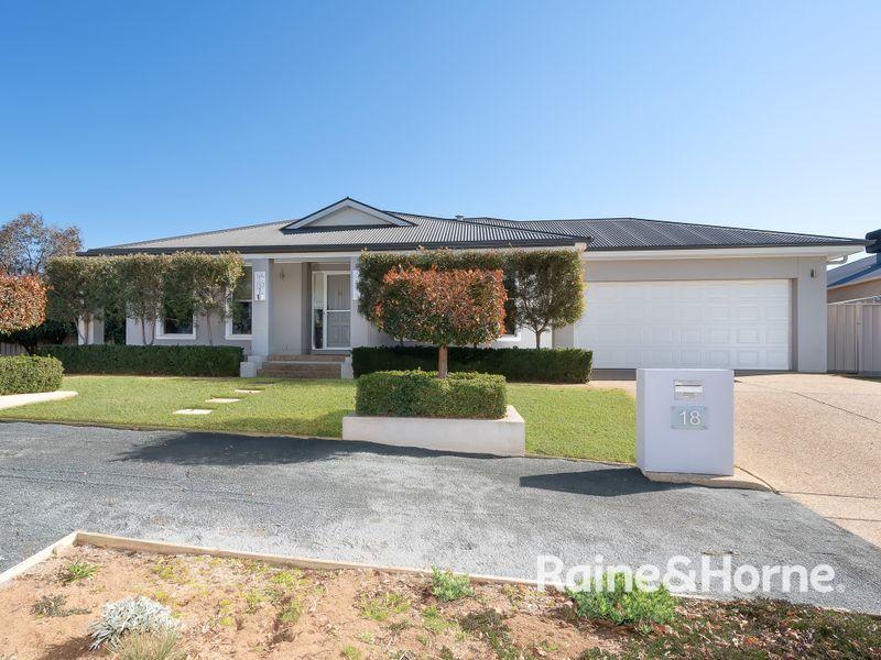 18 Wellington Avenue, Tatton, NSW 2650