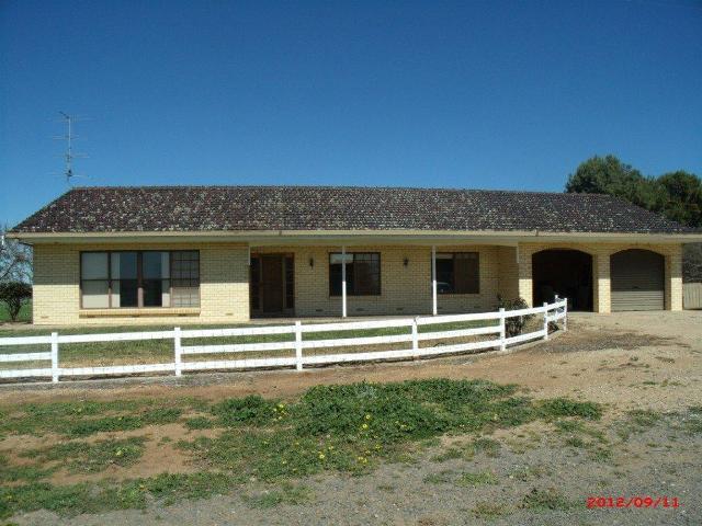 . Barton Hill Road, Black Springs, SA 5413