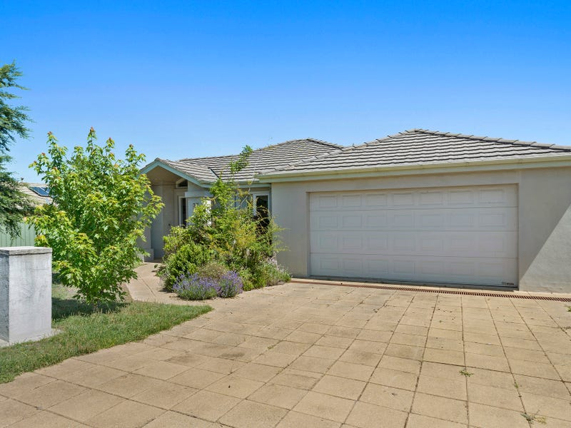 27 Annabell Court, Spring Gully, Vic 3550