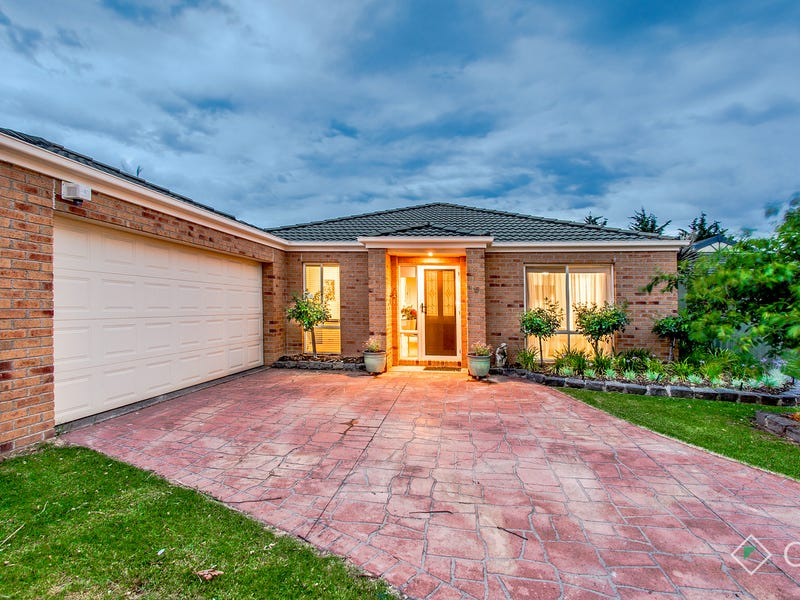 15 Woodchase Court, Cranbourne East, Vic 3977