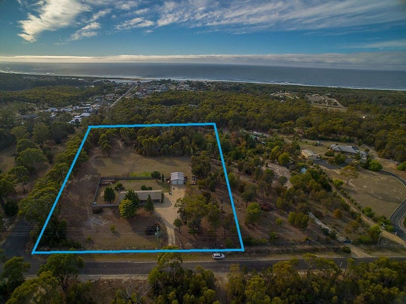 110 Riverview Road, Scamander, Tas 7215