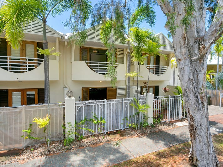 3/32 Oliva St., Palm Cove, Qld 4879