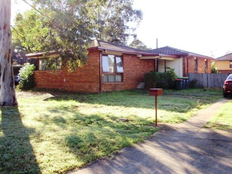 6 Wilkes Ave, Moorebank, NSW 2170