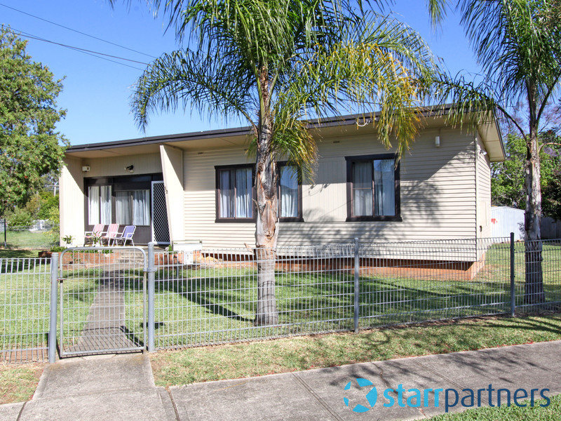 12 Nauru Crescent, Lethbridge Park, NSW 2770