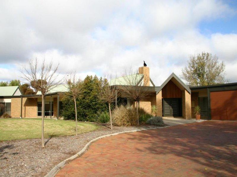 4 Sebastian Close, Swan Hill, Vic 3585