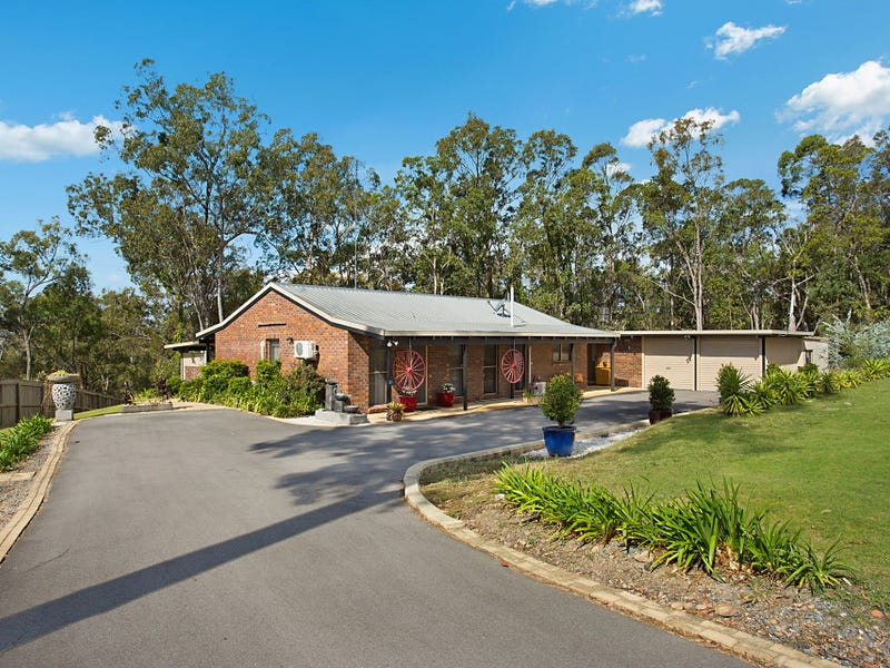 28 Castle Hill Drive, Gaven, Qld 4211
