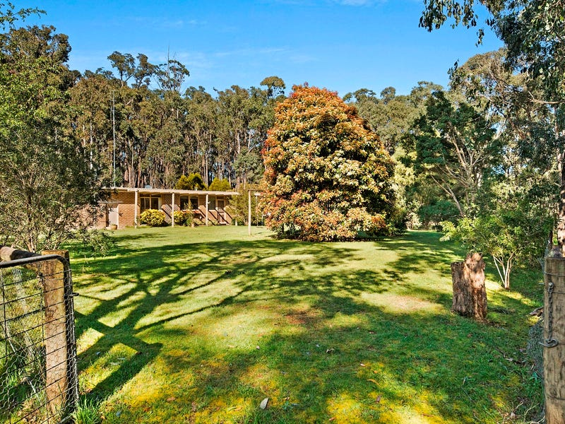 46 Harpers Road South, Woodend, Vic 3442