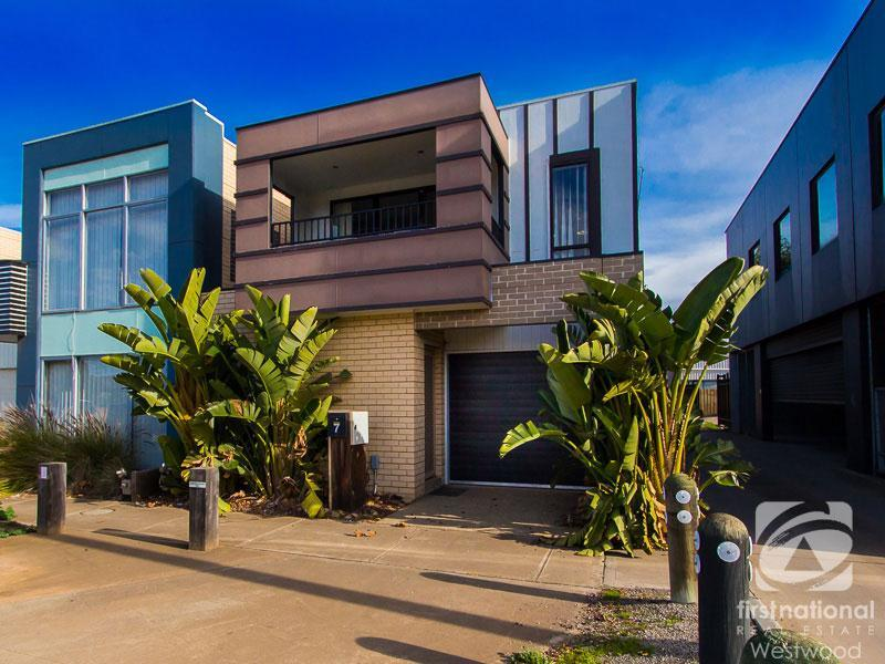 7 Gladstone Place, Werribee, Vic 3030