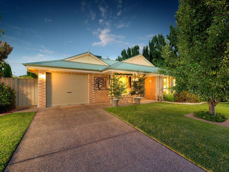 83 Robbins Drive, East Albury, NSW 2640