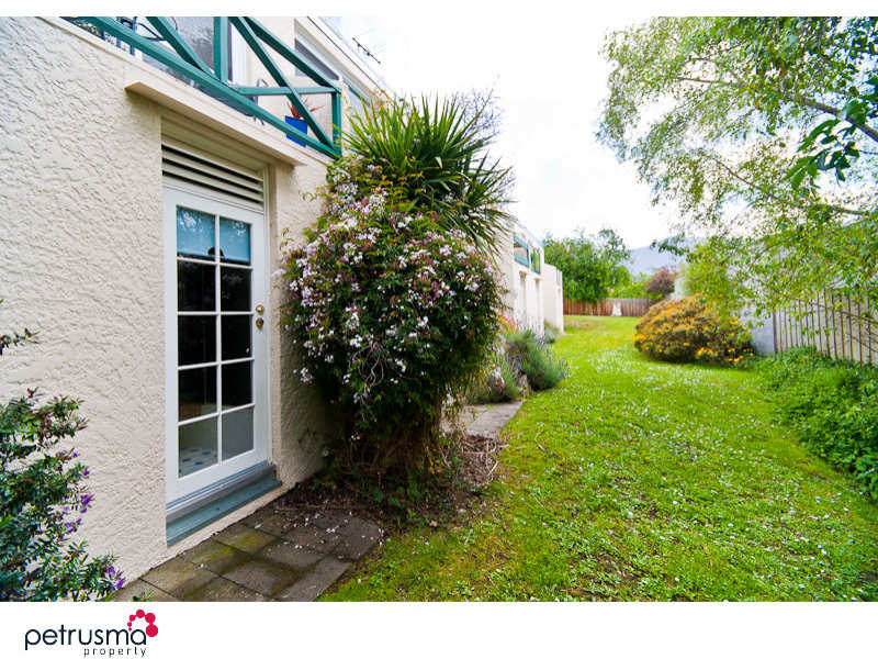 1/10 Boa Vista Road, New Town, Tas 7008