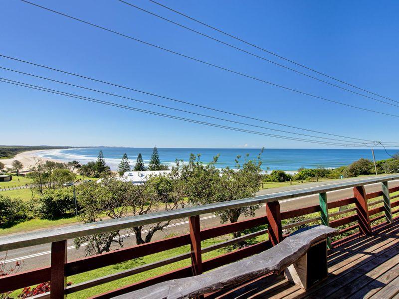 943 Ocean Drive, Bonny Hills, NSW 2445