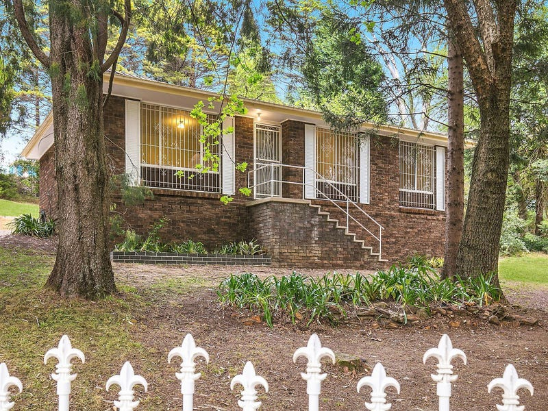 35 Taylor Avenue, Wentworth Falls, NSW 2782