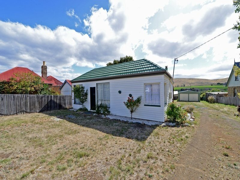 24 Franklin Place, Hamilton, Tas 7140