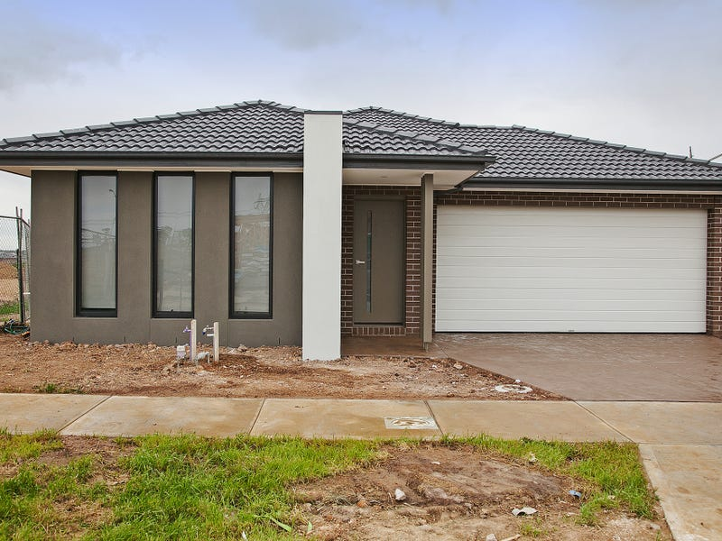 4 Fellowship Street, Clyde North, Vic 3978