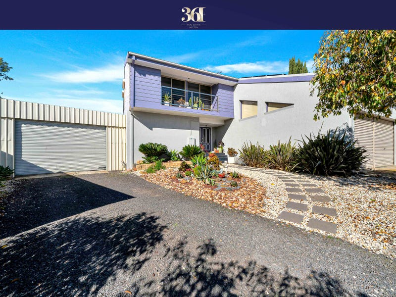 4 Ross Crt, Brookfield, Vic 3338