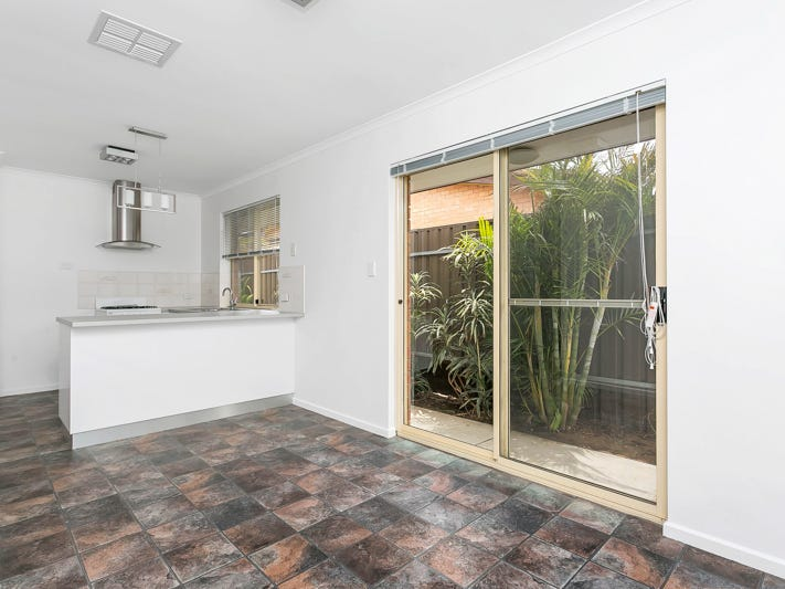 12 Vine Street, Taperoo, SA 5017