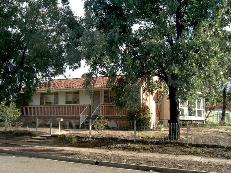 13 Ball Place, Goulburn, NSW 2580