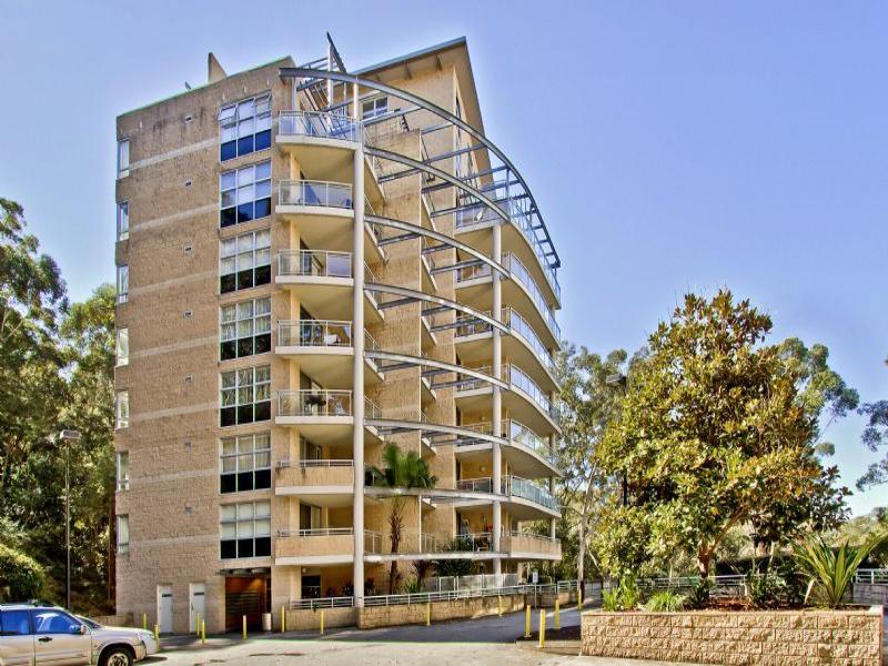 435/80 John Whiteway Drive, Gosford, NSW 2250