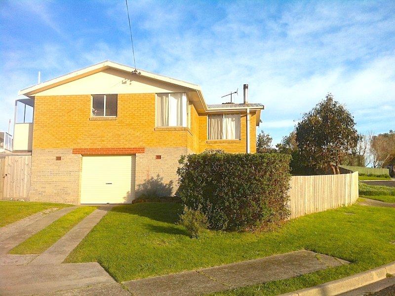 14 Jaycee Avenue, Currie, Grassy, Tas 7256