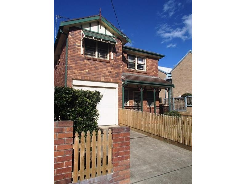 1/3 Snedden Street, Merewether, NSW 2291