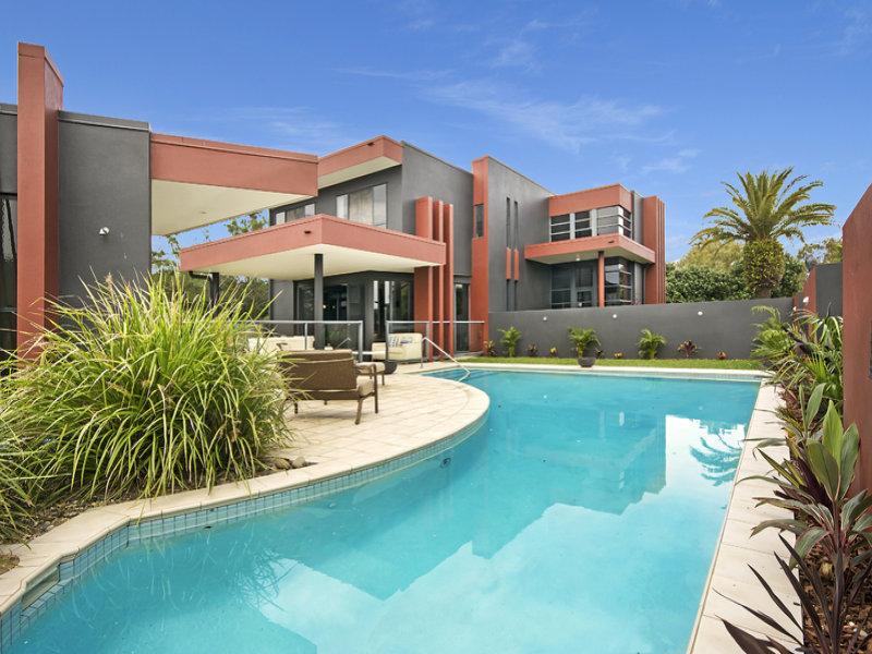 16 Marina Boulevard, Banksia Beach, Qld 4507