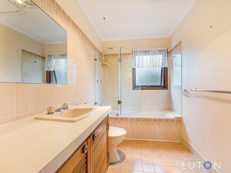 219 Bugden Avenue, Fadden, ACT 2904