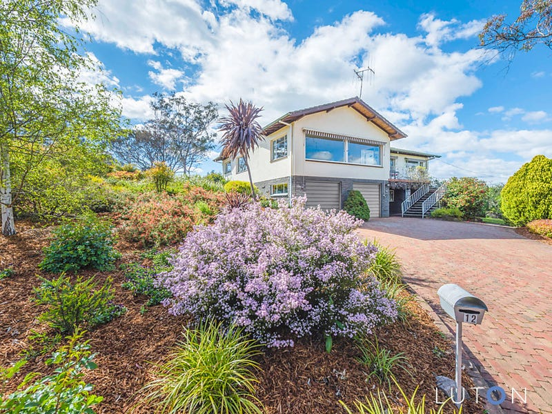 12 Downes Place, Hughes, ACT 2605