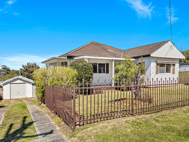 33 Reserve Street, West Wollongong, NSW 2500