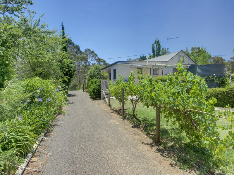 5 Railway Parade, Medway, NSW 2577